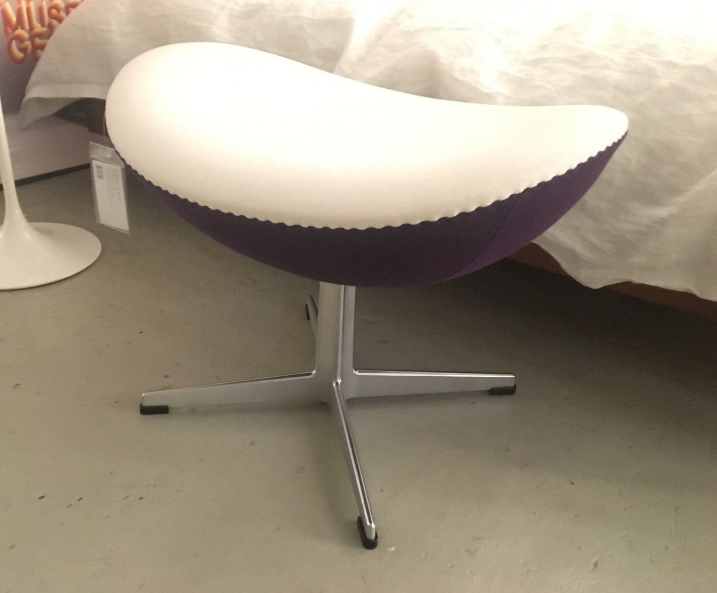 Fusshocker Zum Egg Chair